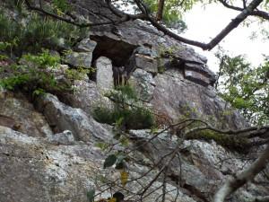 17-岩壁の祠