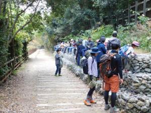 11-溝滝尾トンネル手前の石積