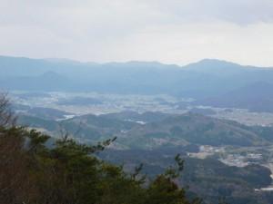 20-山頂から高城山(八上城跡)遠望