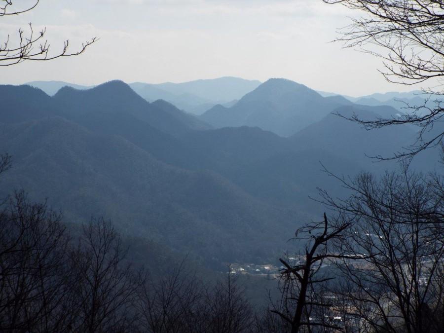 8-羽束山